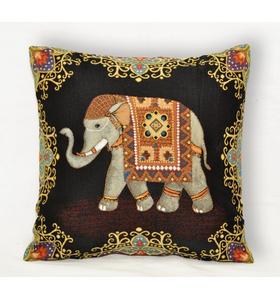 """Наволочка гобеленовая """"Индийские слоны. Слон влево (Удача"""") на молнии 45х45"""